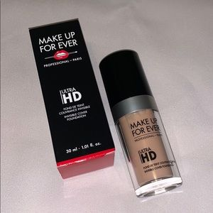 MakeUp ForEver Ultra HD Foundation - R230